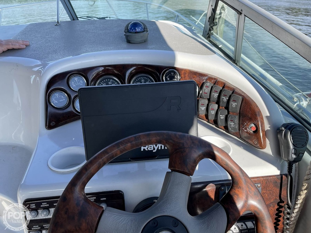 2002 Crownline boat for sale, model of the boat is 262 & Image # 20 of 40