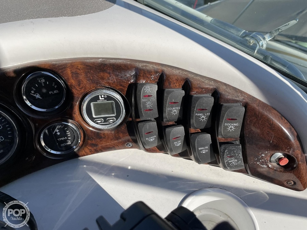 2002 Crownline boat for sale, model of the boat is 262 & Image # 21 of 40