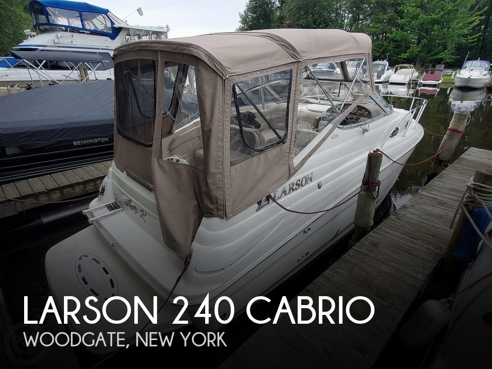 2005 Larson boat for sale, model of the boat is 240 Cabrio & Image # 1 of 40