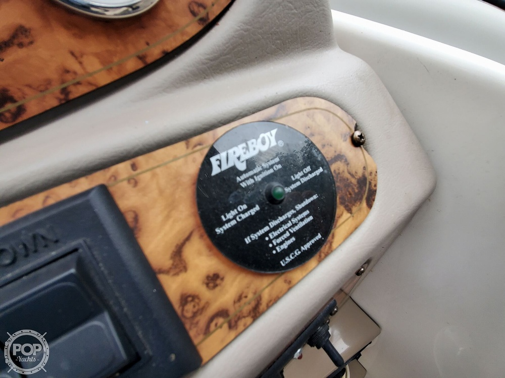 2005 Larson boat for sale, model of the boat is 240 Cabrio & Image # 35 of 40
