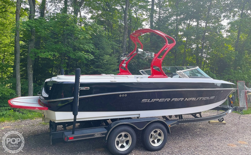 2011 Correct Craft boat for sale, model of the boat is Super Air Nautique 226 & Image # 2 of 28