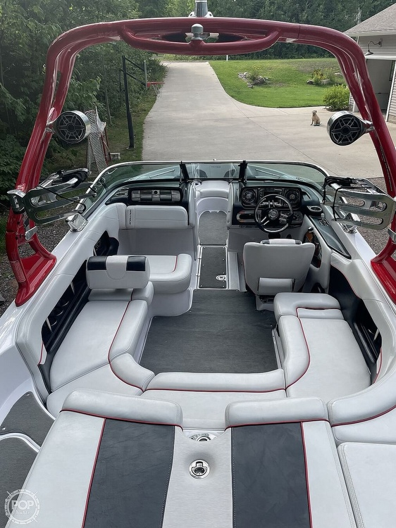 2011 Correct Craft boat for sale, model of the boat is Super Air Nautique 226 & Image # 6 of 28