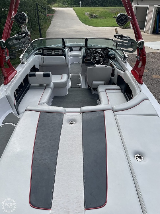 2011 Correct Craft boat for sale, model of the boat is Super Air Nautique 226 & Image # 8 of 28