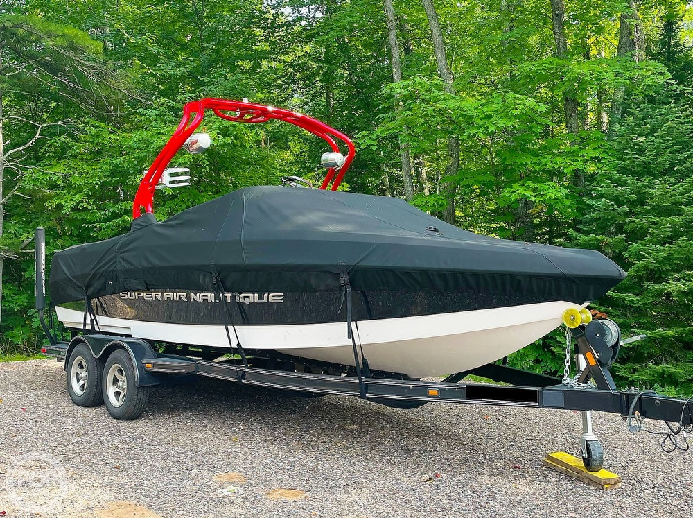 2011 Correct Craft boat for sale, model of the boat is Super Air Nautique 226 & Image # 3 of 28