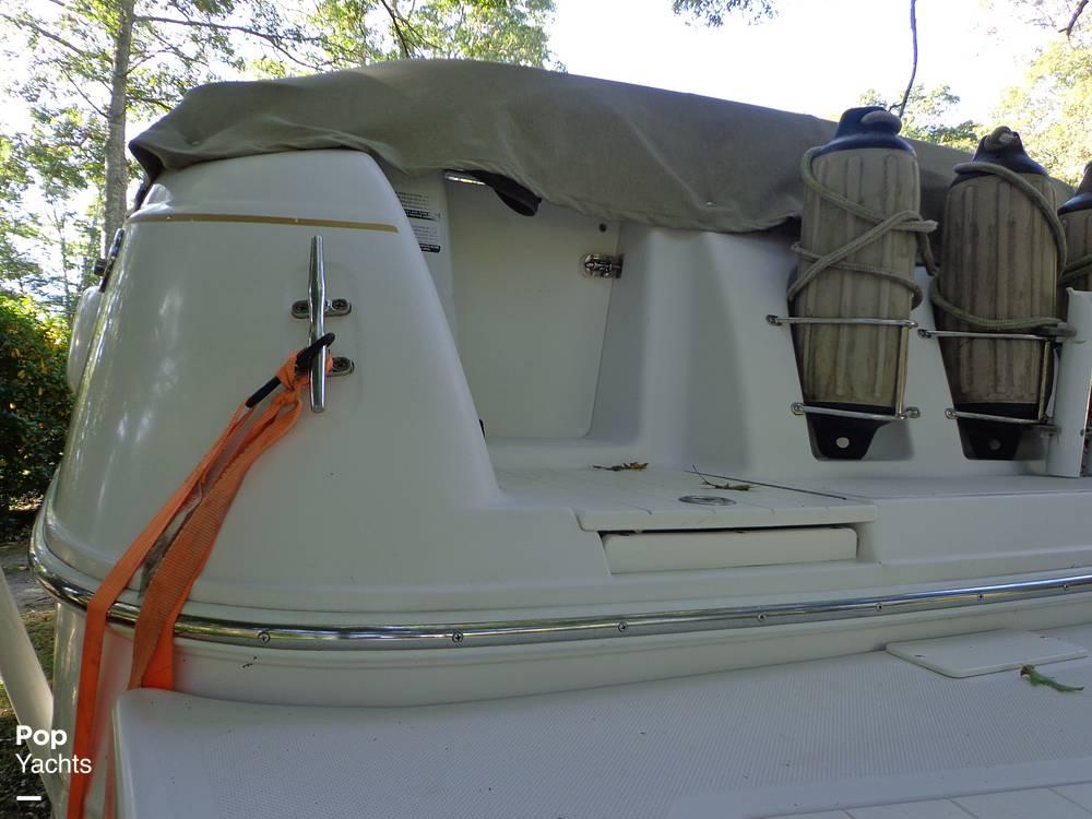 2004 Ebbtide boat for sale, model of the boat is Mystique 2500 Mid Cabin & Image # 21 of 40