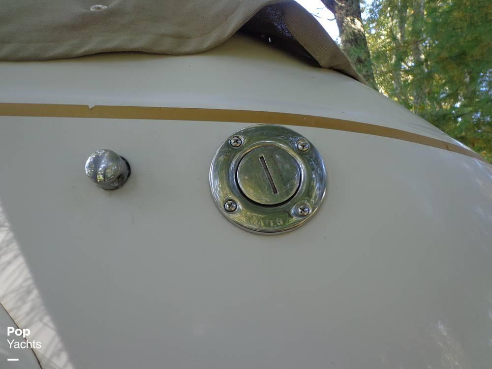 2004 Ebbtide boat for sale, model of the boat is Mystique 2500 Mid Cabin & Image # 27 of 40