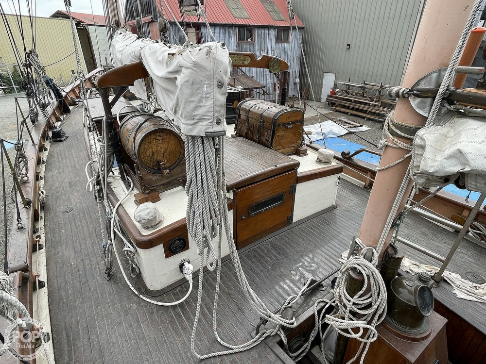1968 Armstrong boat for sale, model of the boat is 52 & Image # 8 of 40