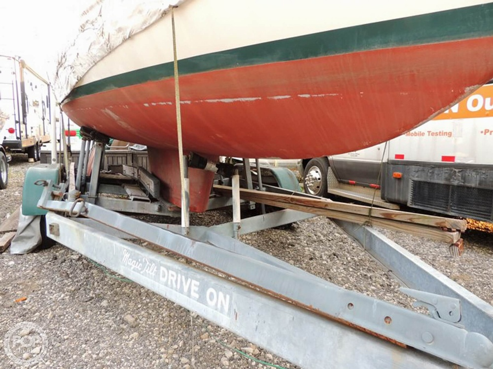1981 Com-Pac boat for sale, model of the boat is CP-23 & Image # 7 of 37