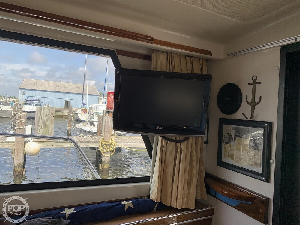 1984 Silverton boat for sale, model of the boat is 34 Convertible & Image # 29 of 40