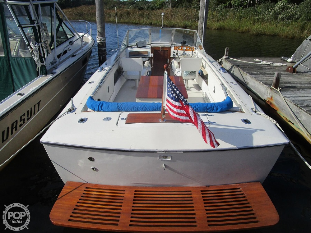 1972 Chris Craft boat for sale, model of the boat is Lancer 23 & Image # 8 of 40