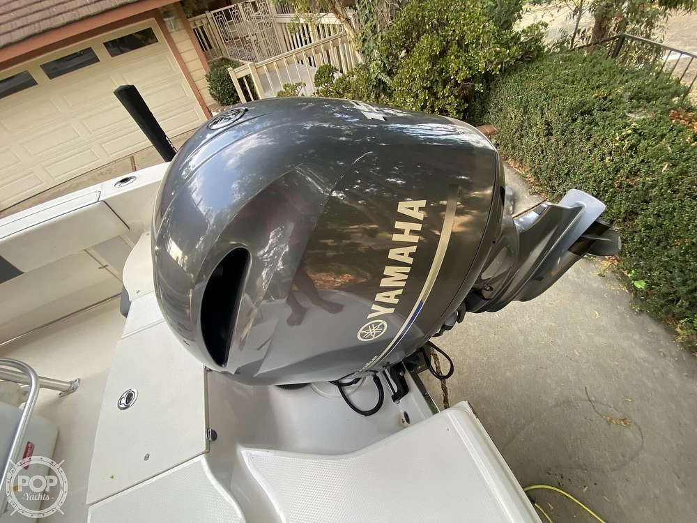 2019 Robalo boat for sale, model of the boat is R200 Center Console & Image # 8 of 41