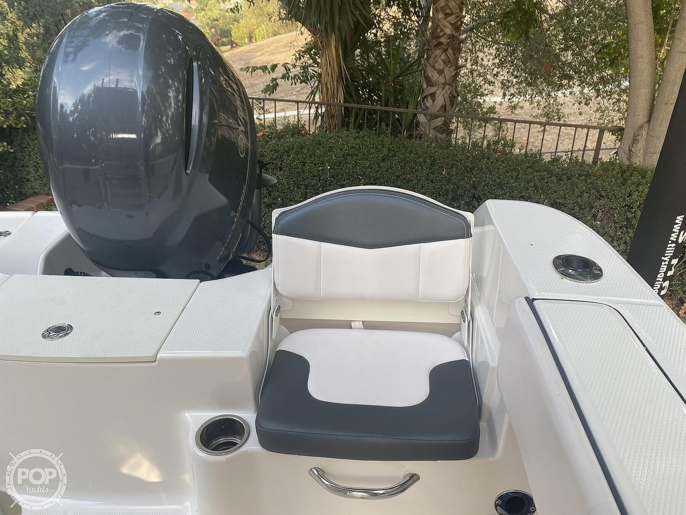 2019 Robalo boat for sale, model of the boat is R200 Center Console & Image # 37 of 41