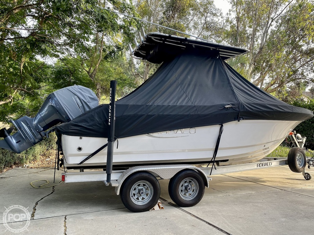 2019 Robalo boat for sale, model of the boat is R200 Center Console & Image # 6 of 41