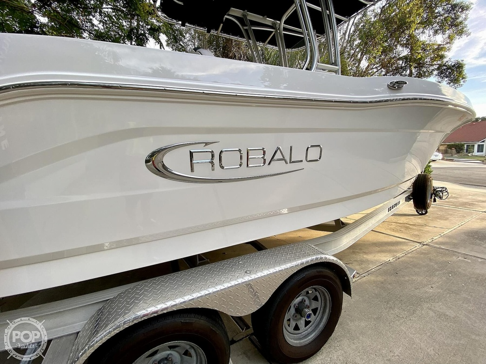 2019 Robalo boat for sale, model of the boat is R200 Center Console & Image # 4 of 41