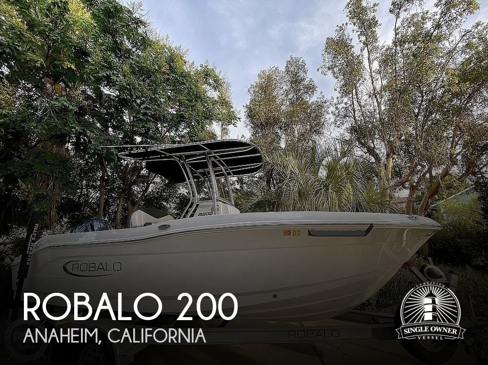 2019 Robalo boat for sale, model of the boat is R200 Center Console & Image # 1 of 41