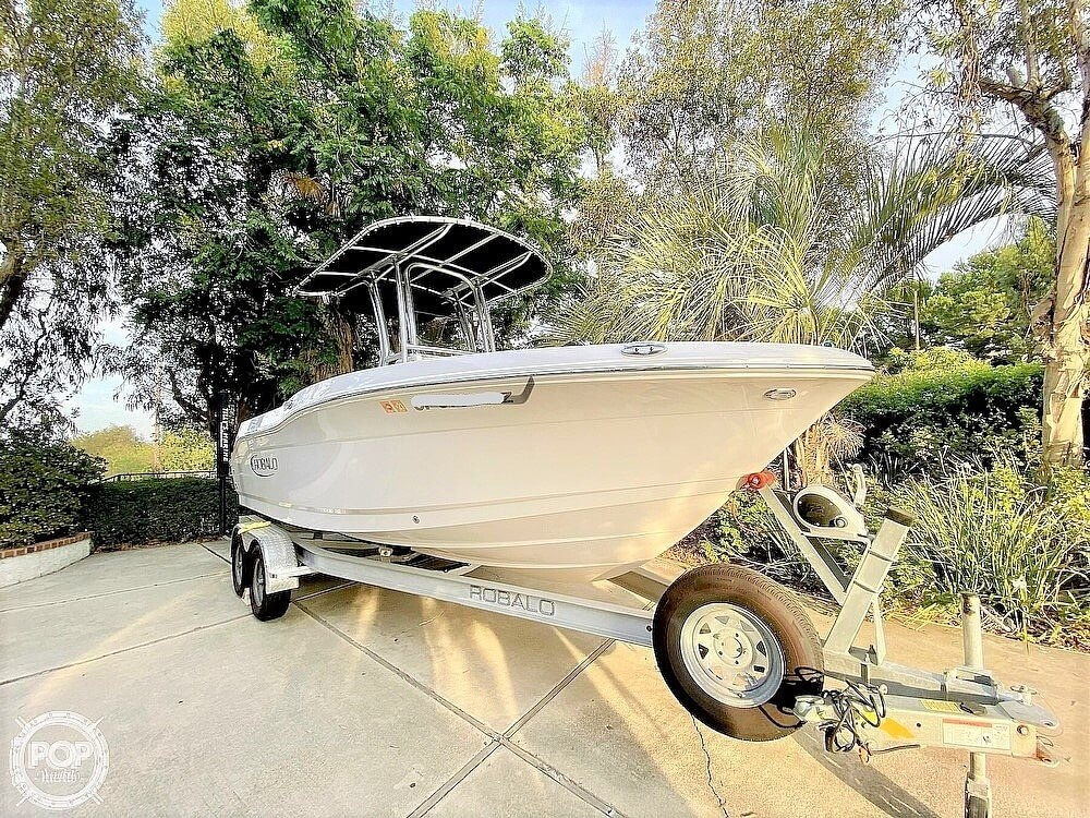 2019 Robalo boat for sale, model of the boat is R200 Center Console & Image # 20 of 41