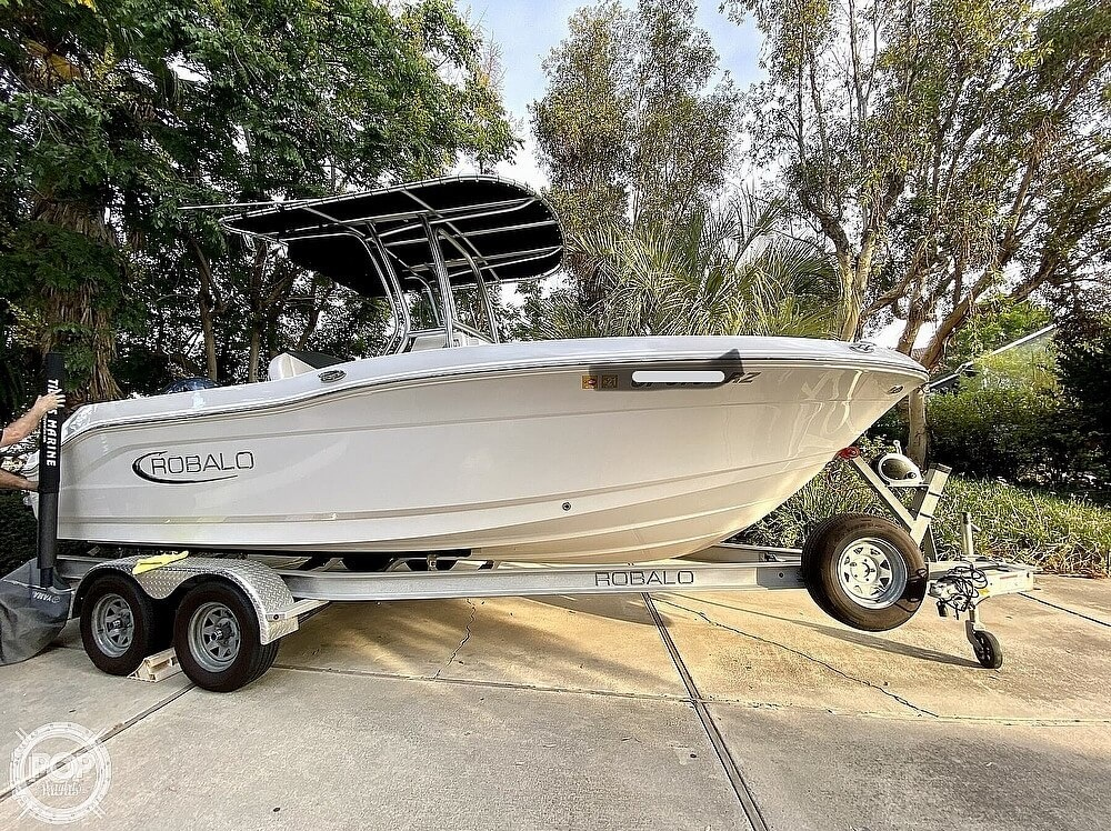 2019 Robalo boat for sale, model of the boat is R200 Center Console & Image # 2 of 41