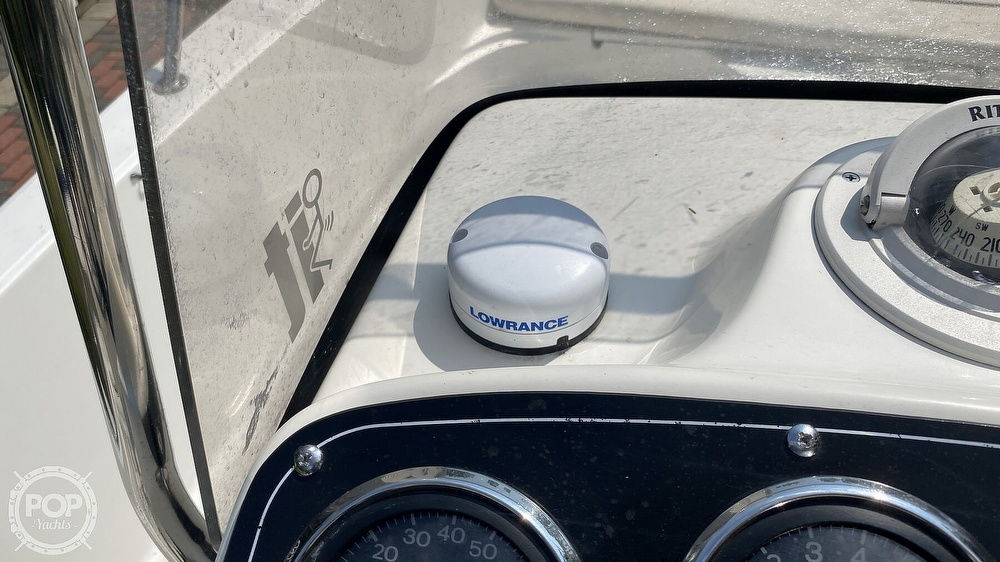 1999 Boston Whaler boat for sale, model of the boat is Dauntless 180 & Image # 26 of 40