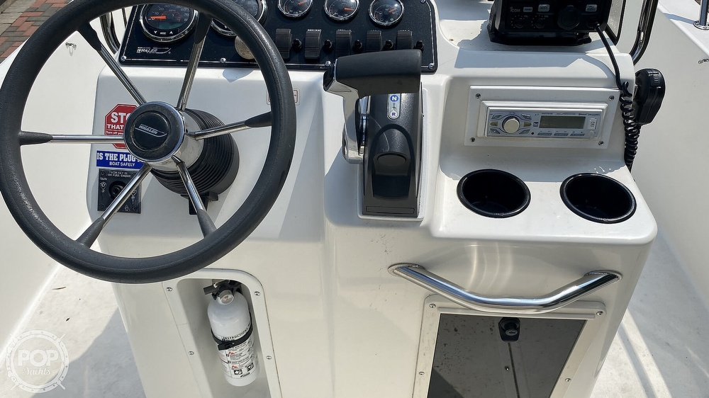 1999 Boston Whaler boat for sale, model of the boat is Dauntless 180 & Image # 30 of 40