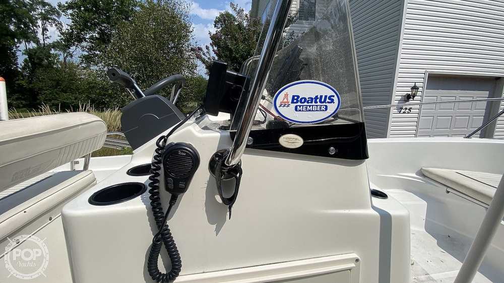 1999 Boston Whaler boat for sale, model of the boat is Dauntless 180 & Image # 35 of 40