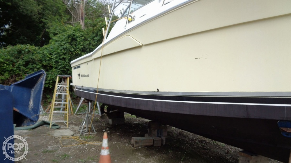 2003 Wellcraft boat for sale, model of the boat is 330 Coastal & Image # 10 of 40