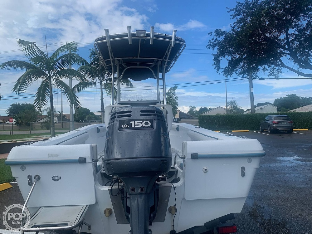 2005 Triumph boat for sale, model of the boat is 215 Cc & Image # 4 of 40
