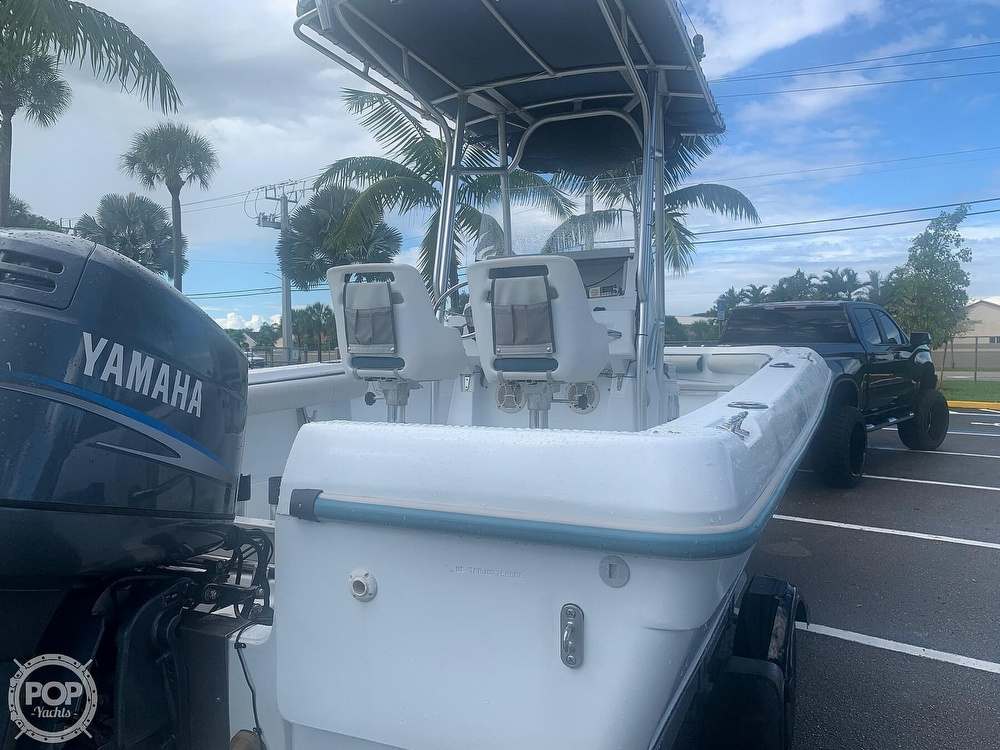 2005 Triumph boat for sale, model of the boat is 215 Cc & Image # 5 of 40