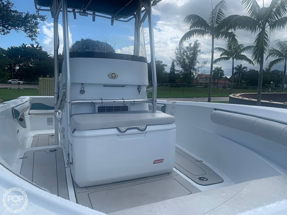2005 Triumph boat for sale, model of the boat is 215 Cc & Image # 8 of 40