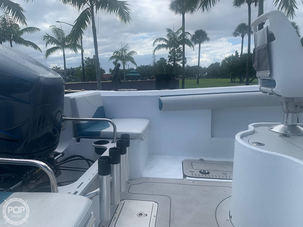 2005 Triumph boat for sale, model of the boat is 215 Cc & Image # 13 of 40