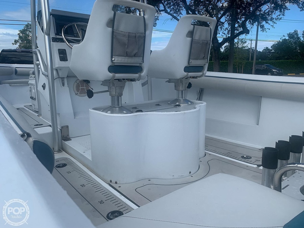 2005 Triumph boat for sale, model of the boat is 215 Cc & Image # 14 of 40