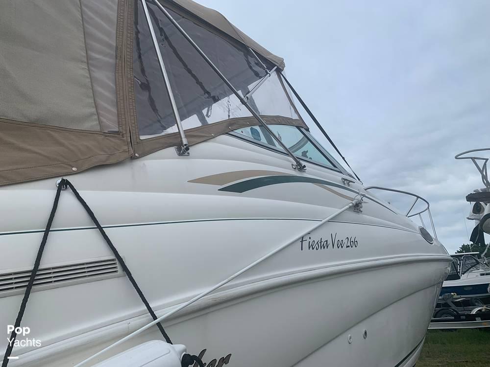 1999 Rinker boat for sale, model of the boat is Fiesta Vee 266 & Image # 13 of 40