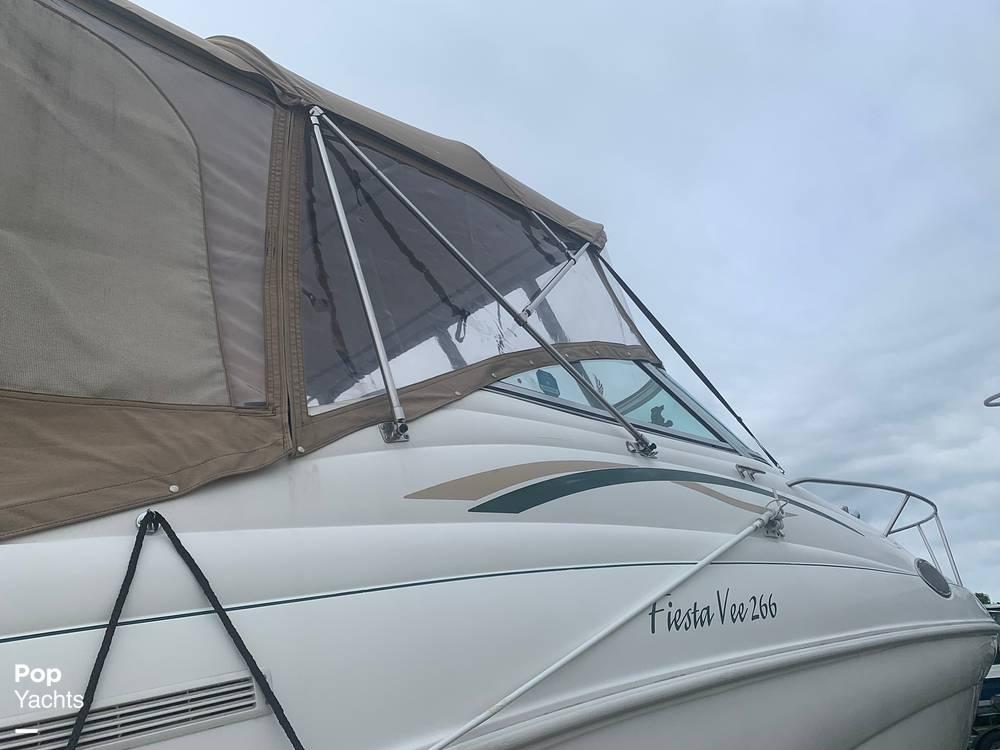 1999 Rinker boat for sale, model of the boat is Fiesta Vee 266 & Image # 14 of 40