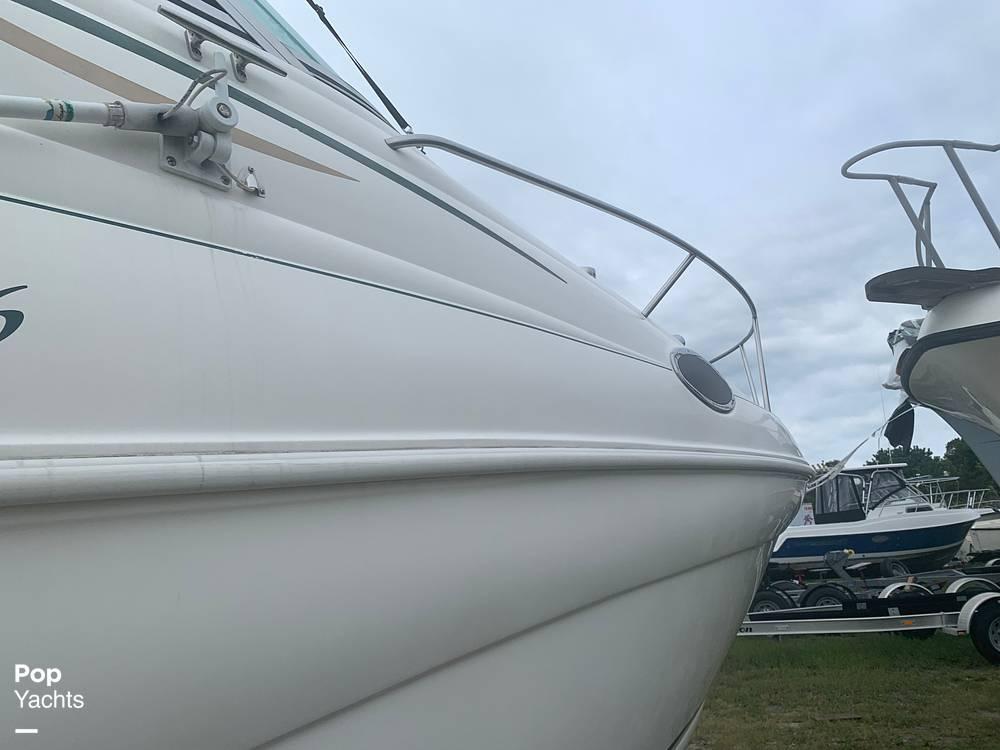 1999 Rinker boat for sale, model of the boat is Fiesta Vee 266 & Image # 19 of 40