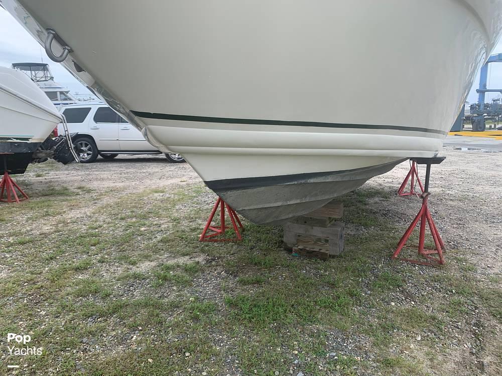 1999 Rinker boat for sale, model of the boat is Fiesta Vee 266 & Image # 23 of 40