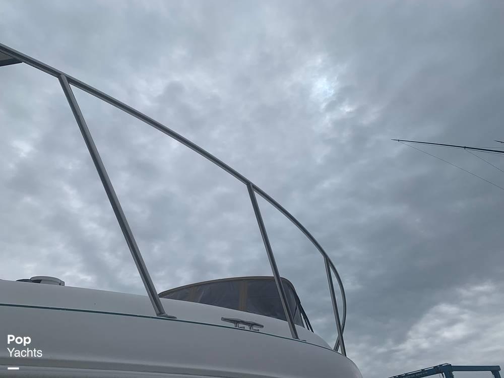 1999 Rinker boat for sale, model of the boat is Fiesta Vee 266 & Image # 24 of 40