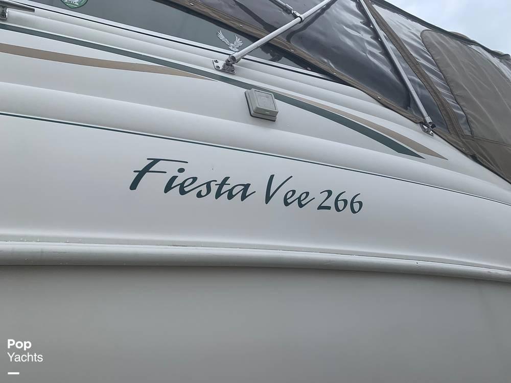 1999 Rinker boat for sale, model of the boat is Fiesta Vee 266 & Image # 29 of 40