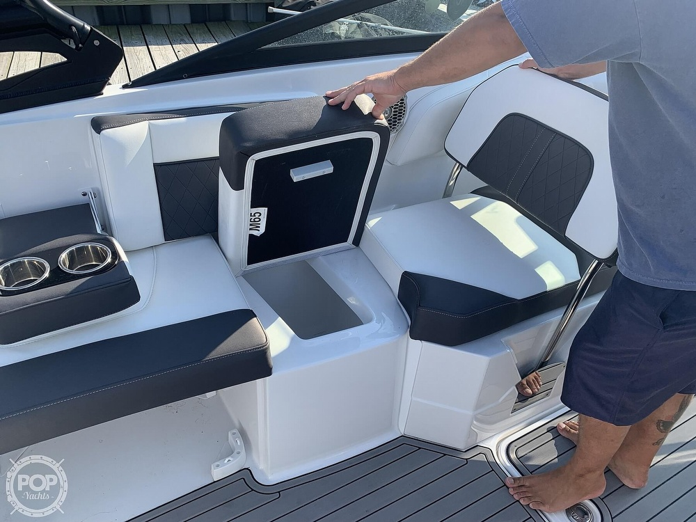 2020 Monterey boat for sale, model of the boat is M65 & Image # 15 of 40