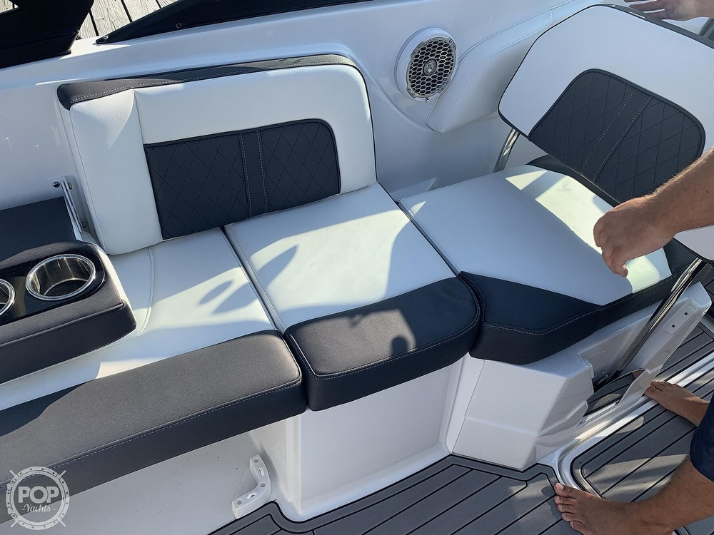 2020 Monterey boat for sale, model of the boat is M65 & Image # 17 of 40