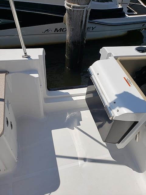 2017 Sea Hunt boat for sale, model of the boat is 235 Escape SE & Image # 15 of 40