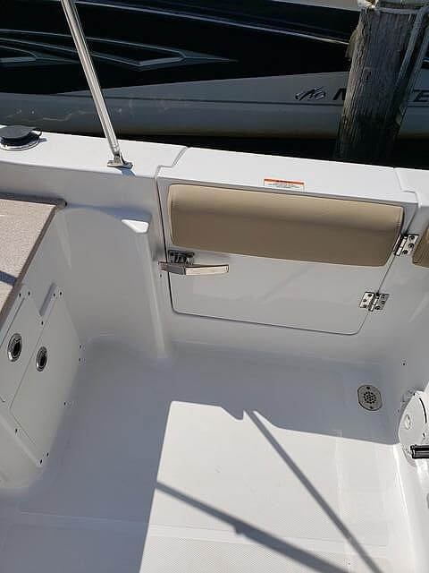2017 Sea Hunt boat for sale, model of the boat is 235 Escape SE & Image # 17 of 40