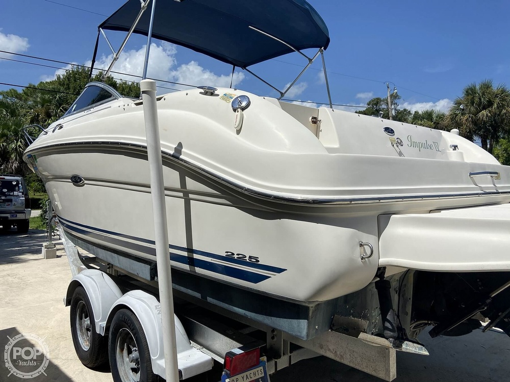 2001 Sea Ray boat for sale, model of the boat is 225 weekender & Image # 16 of 40