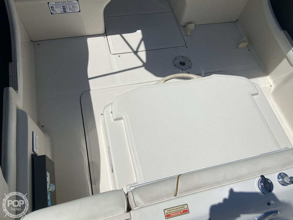 2001 Sea Ray boat for sale, model of the boat is 225 weekender & Image # 22 of 40