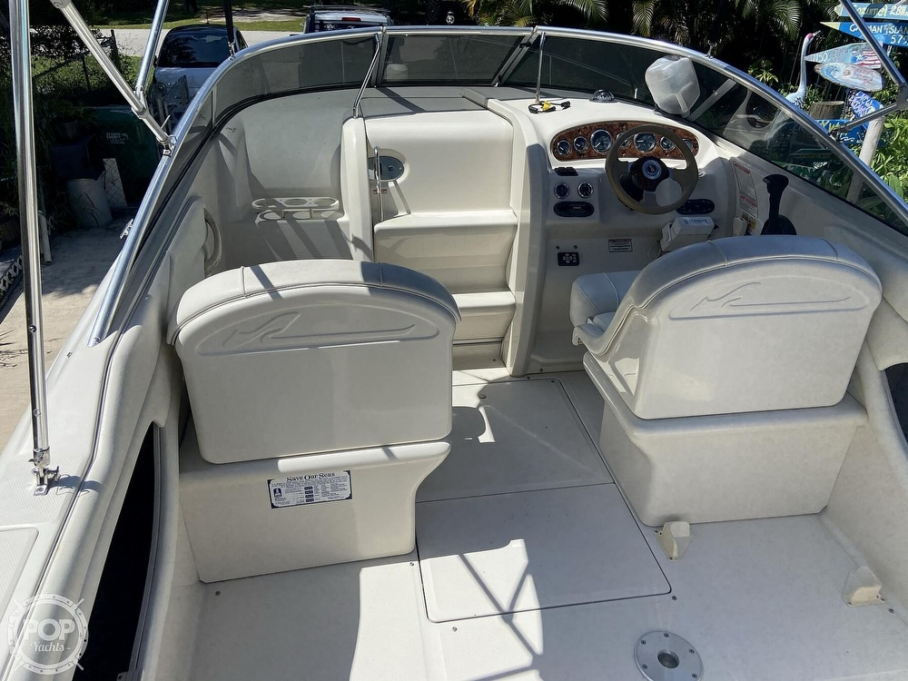 2001 Sea Ray boat for sale, model of the boat is 225 weekender & Image # 23 of 40