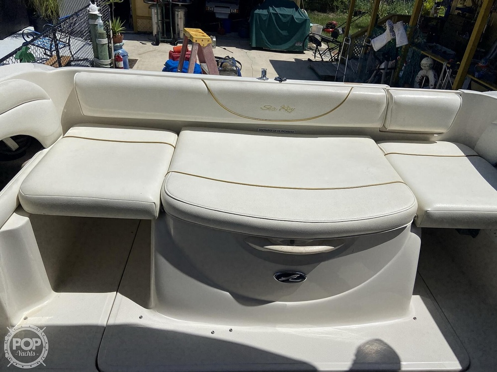 2001 Sea Ray boat for sale, model of the boat is 225 weekender & Image # 2 of 40