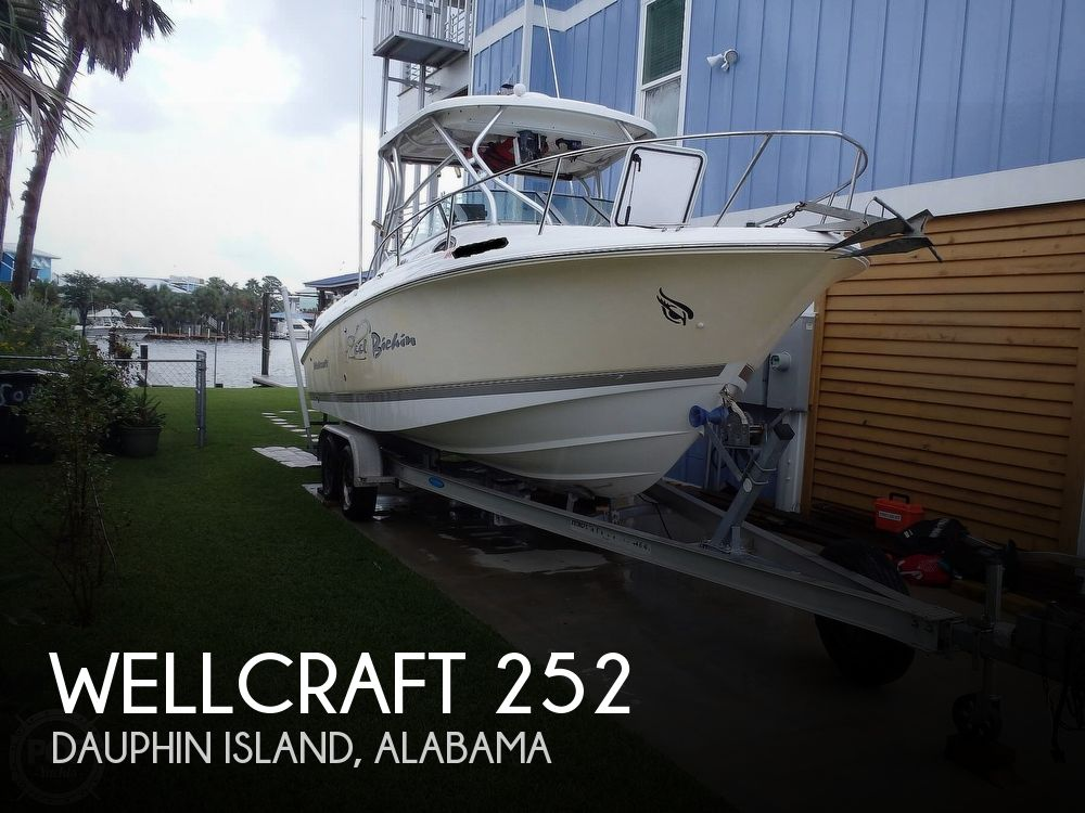 2005 Wellcraft boat for sale, model of the boat is 252 Coastal & Image # 1 of 40