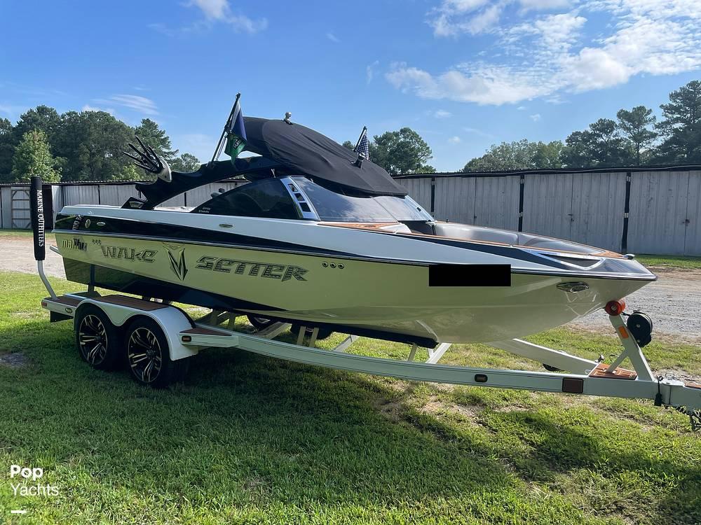 2009 Malibu boat for sale, model of the boat is Wakesetter VTX & Image # 10 of 40