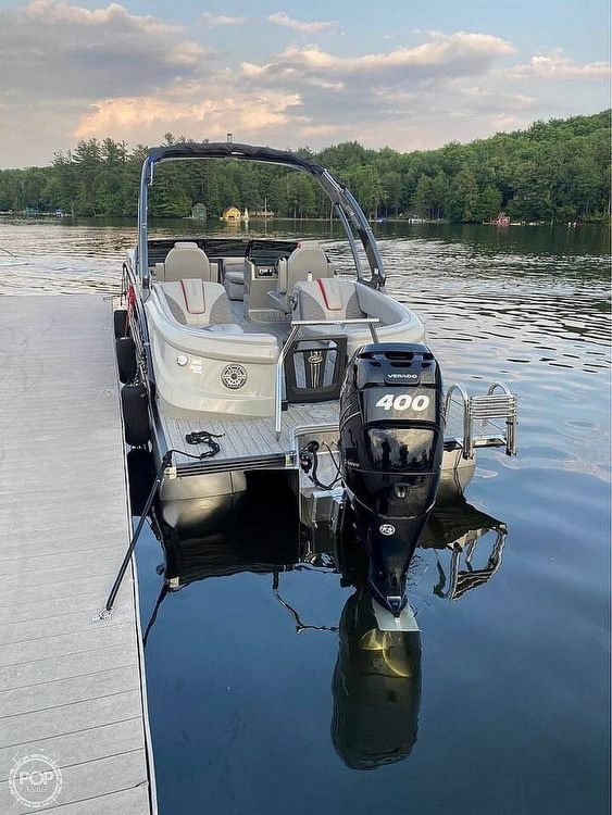2019 Manitou boat for sale, model of the boat is 25 X-Plode SHP & Image # 2 of 17