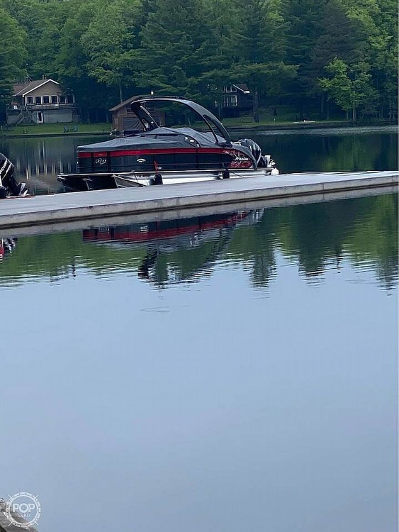 2019 Manitou boat for sale, model of the boat is 25 X-Plode SHP & Image # 3 of 17