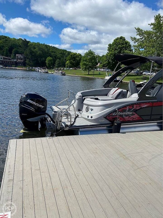 2019 Manitou boat for sale, model of the boat is 25 X-Plode SHP & Image # 4 of 17