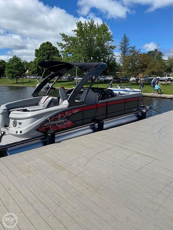 2019 Manitou boat for sale, model of the boat is 25 X-Plode SHP & Image # 5 of 17